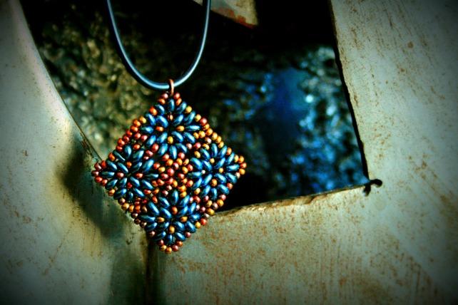colgante azul mosaico